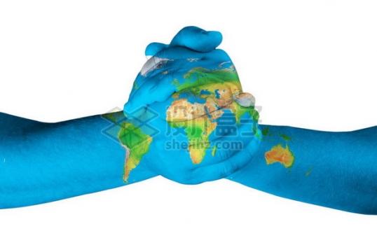 扳手腕的双手上印有地球世界地图图案769862png图片素材