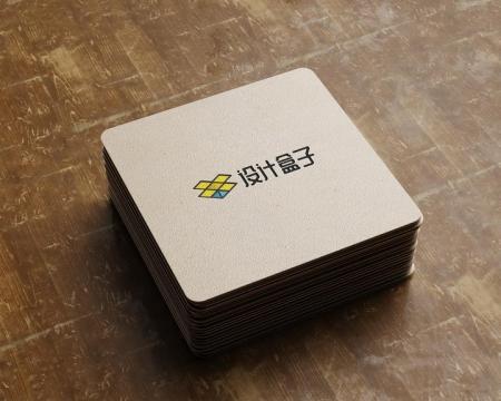 叠放一起的哑粉纸上印刷的彩色品牌logo标志样机图片设计模板素材