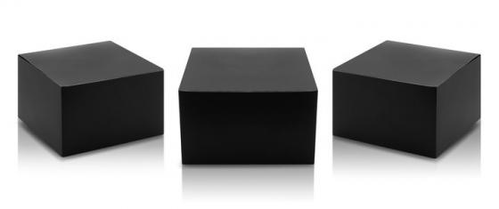 三种不同角度的黑色包装盒前视图顶视图样机图片设计模板素材