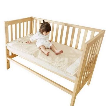 木制婴儿床使用效果展示png图片透明背景免抠素材