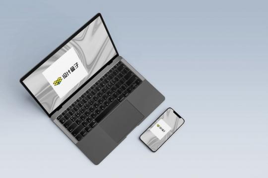 俯视视角的苹果MacBook笔记本电脑和iPhone 11显示样机903478psd样机图片模板素材