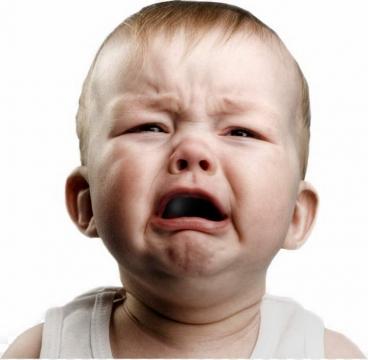 哭泣的宝宝小孩图片免抠素材