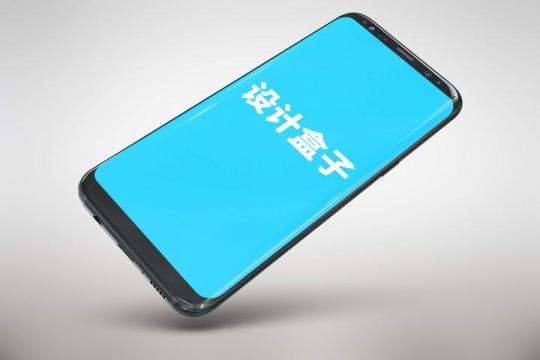 斜视角的黑色智能手机屏幕内容显示展示样机图片设计素材
